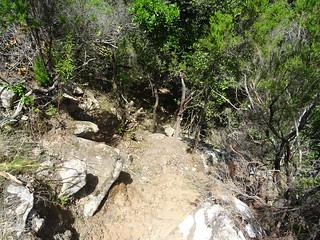 Sente de remontée depuis le canyon de Lora