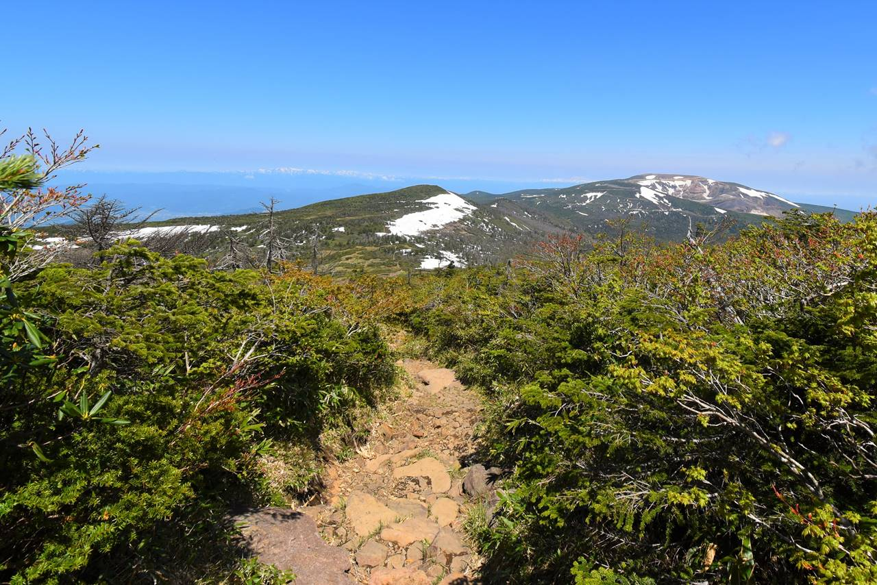屏風岳から刈田岳へ稜線登山