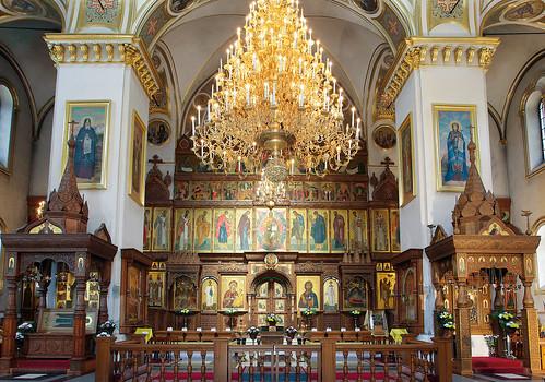 Современный интерьер Успенского собора