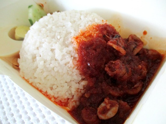 Nasi lemak sambal sotong Bandong Walk