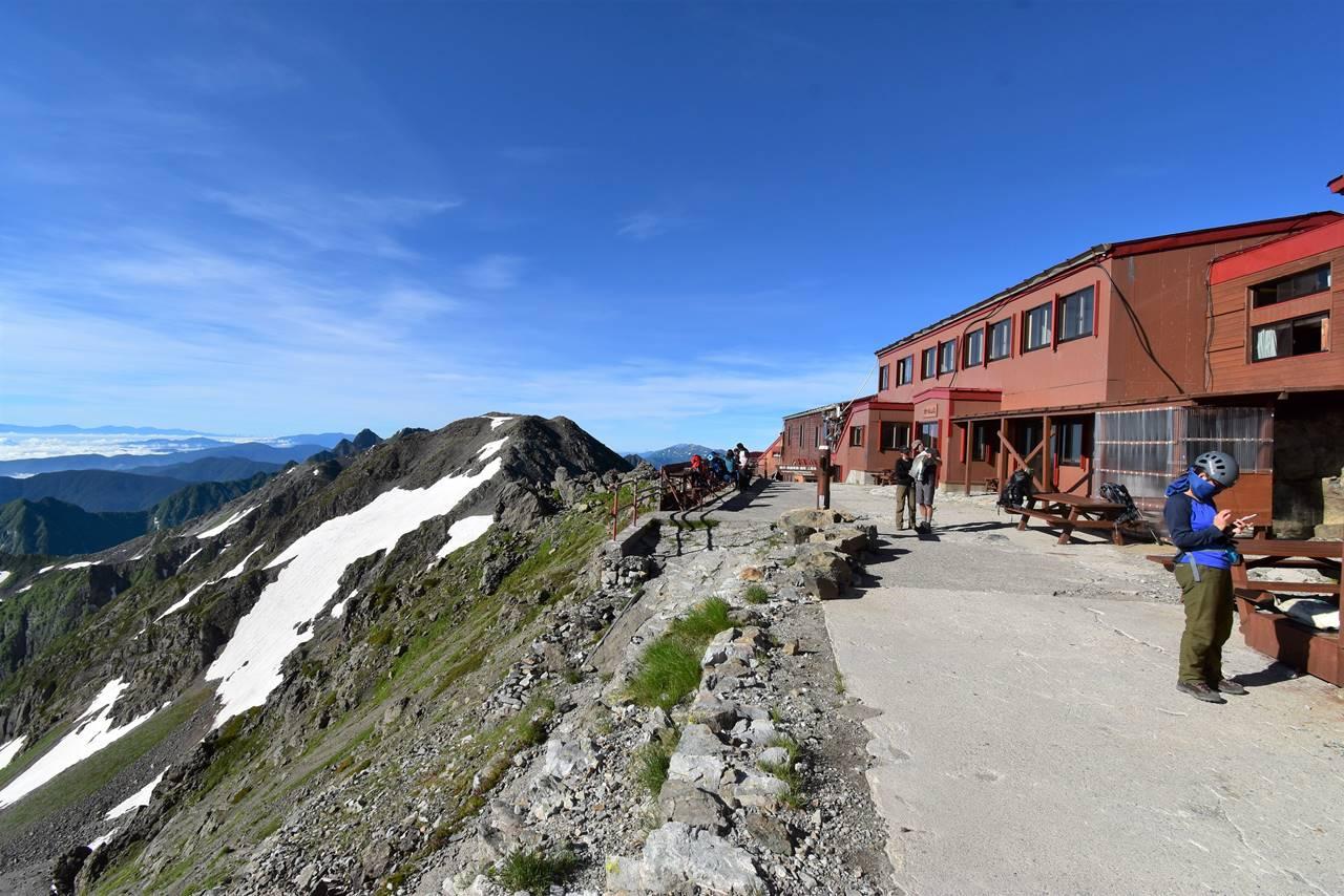 槍ヶ岳山荘のテラス