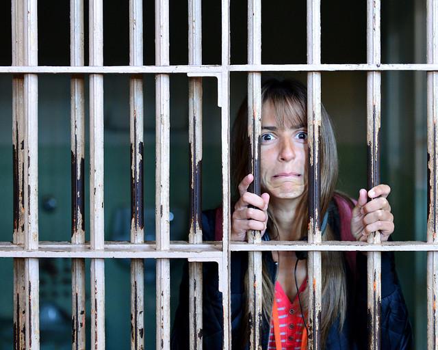 Dentro de una de las cárceles de Alcatraz