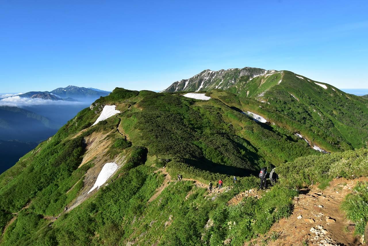 双六岳から笠ヶ岳の稜線 焼岳・乗鞍岳の展望