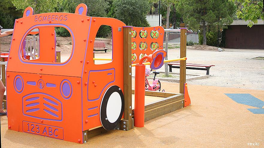 zona de juegos del parque central de Paterna