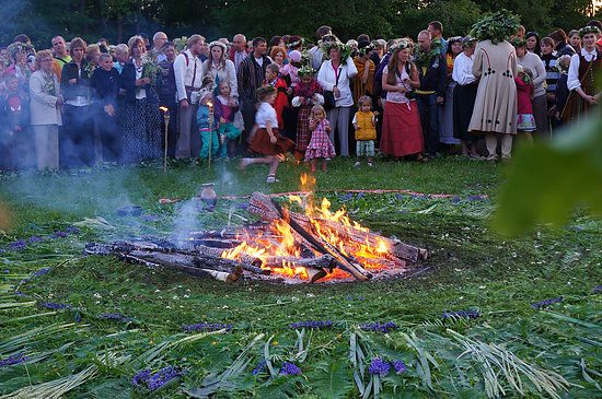 summer solstice traditions