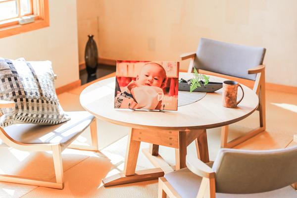 絵本風フォトスタンドは和室にもしっくりきます