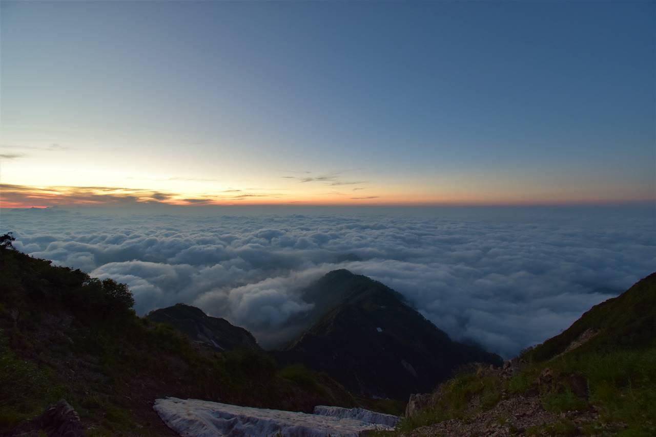 雲海と朝焼け