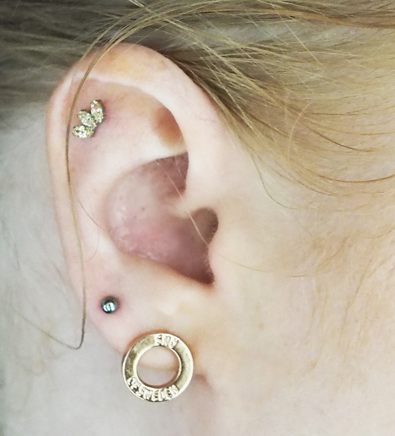 ear piercing outer conch