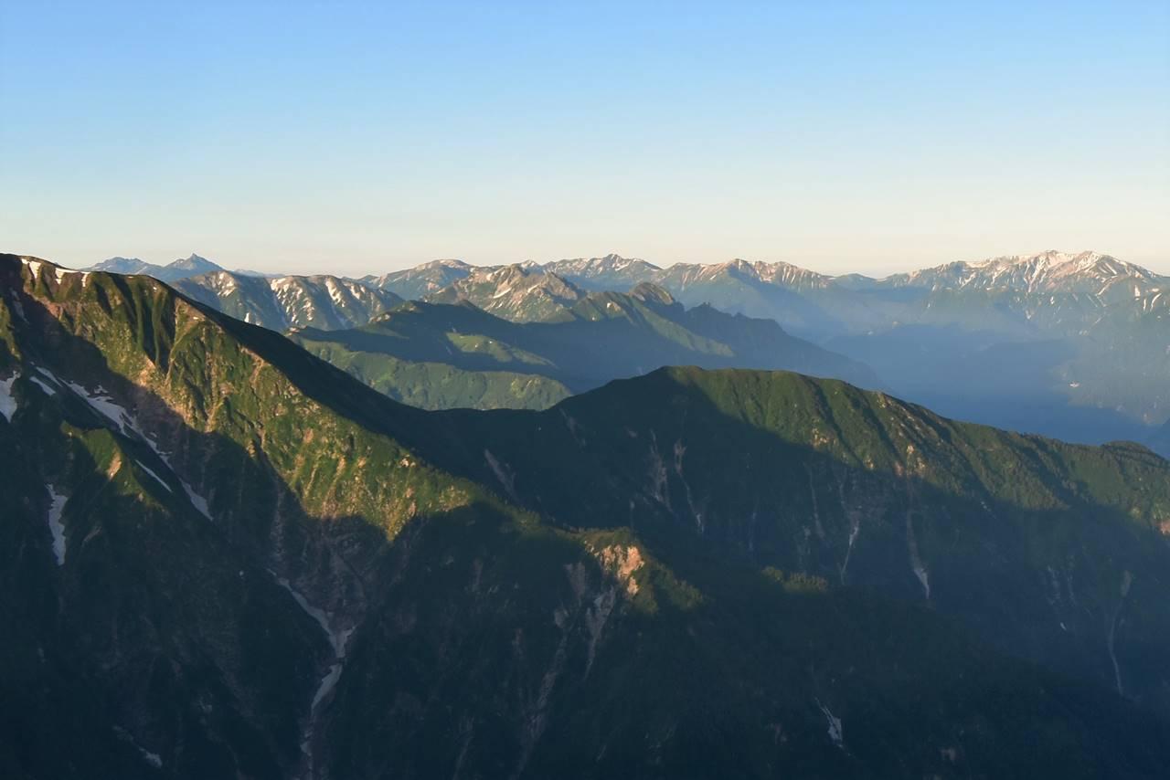 五竜岳山頂からの裏銀座~槍ヶ岳方面の展望