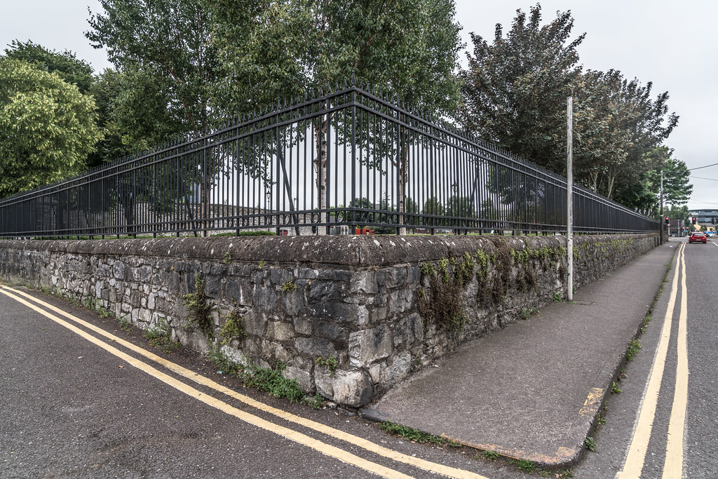 AREA NEAR THE ROUNDABOUT ON VICTORIA ROAD IN CORK JULY 2017  007