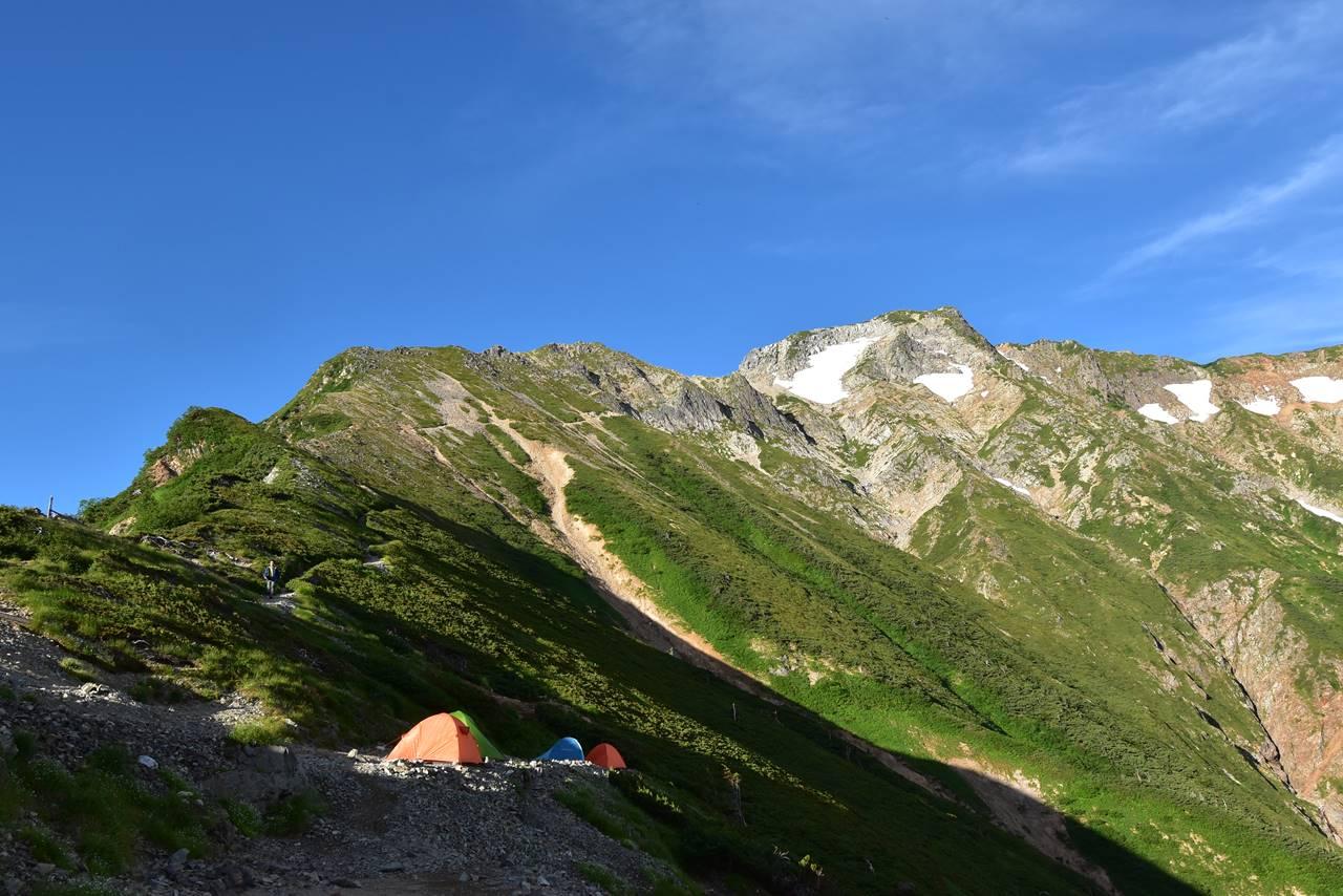 五竜山荘テント場からの五竜岳