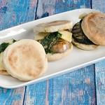 Auberginen-Zucchini-Sandwich mit Piso