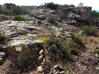Panneaux PR6 en haut de la montée de Ranuchjaghja sur la piste de Luviu