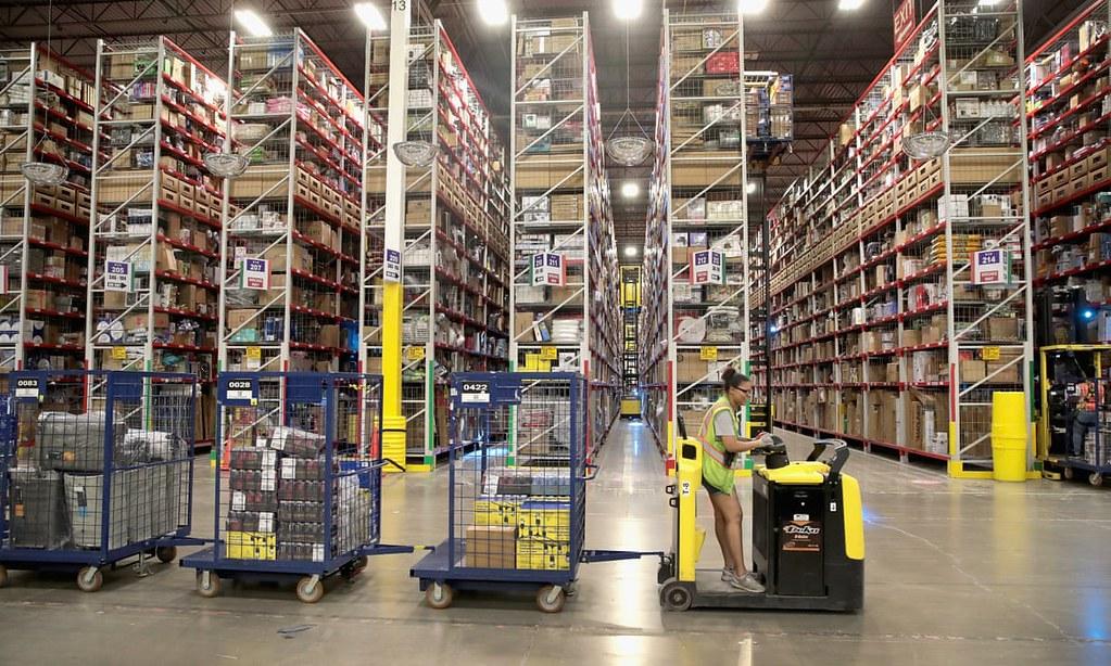 美国参议员桑德斯提案立法打击亚马逊低薪问题。(图片来源:Scott Olson/Getty Images)