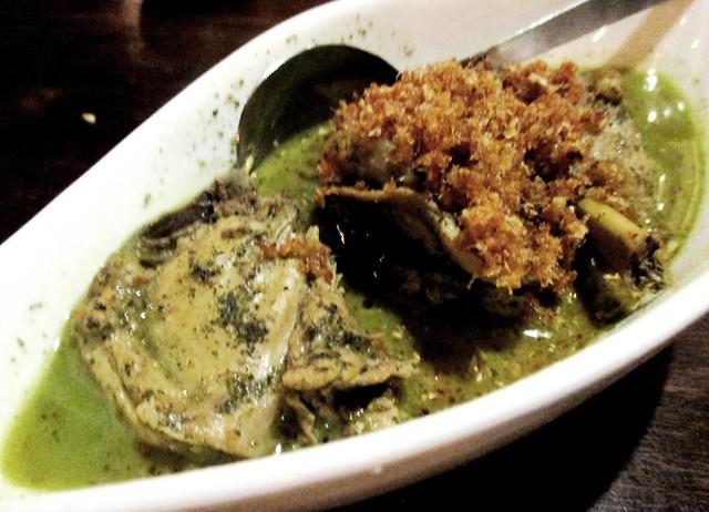 Payung Cafe kacangma chicken
