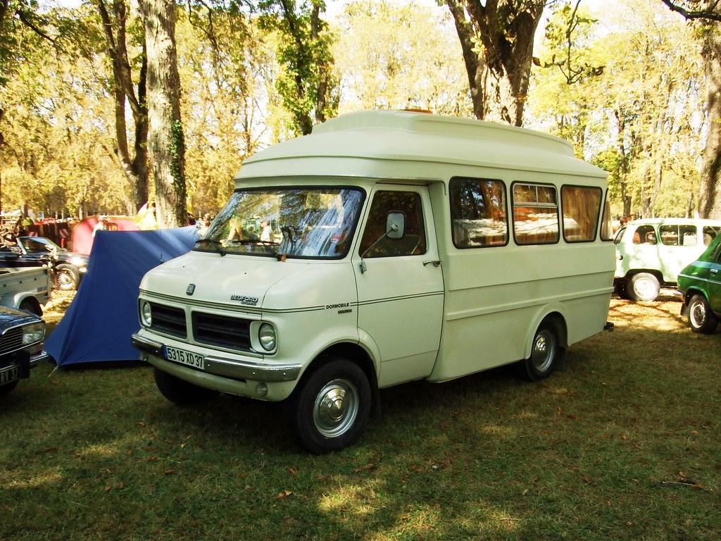 bedford cf camping car richelieu 37 indre et loire 02 09 flickr. Black Bedroom Furniture Sets. Home Design Ideas