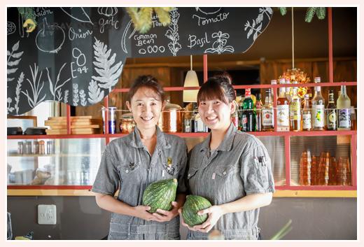 黒猫とほうき@Tane Cafe 焼菓子 野菜のケーキ 野菜ソムリエのスタッフ 愛知県瀬戸市のカフェ