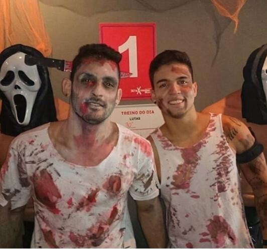 Halloween men costumes