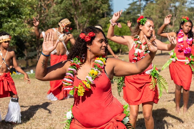 sakwolo islander dancers