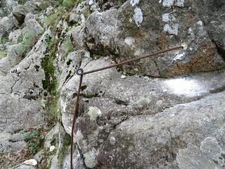 Tige scellée pour futur câble pour retrouver le chemin en RG