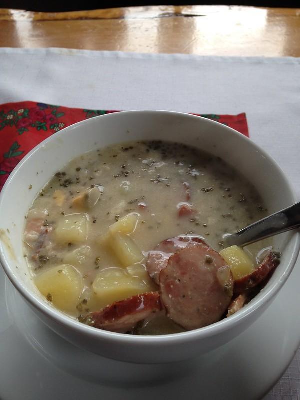 еда в Польше. суп журек