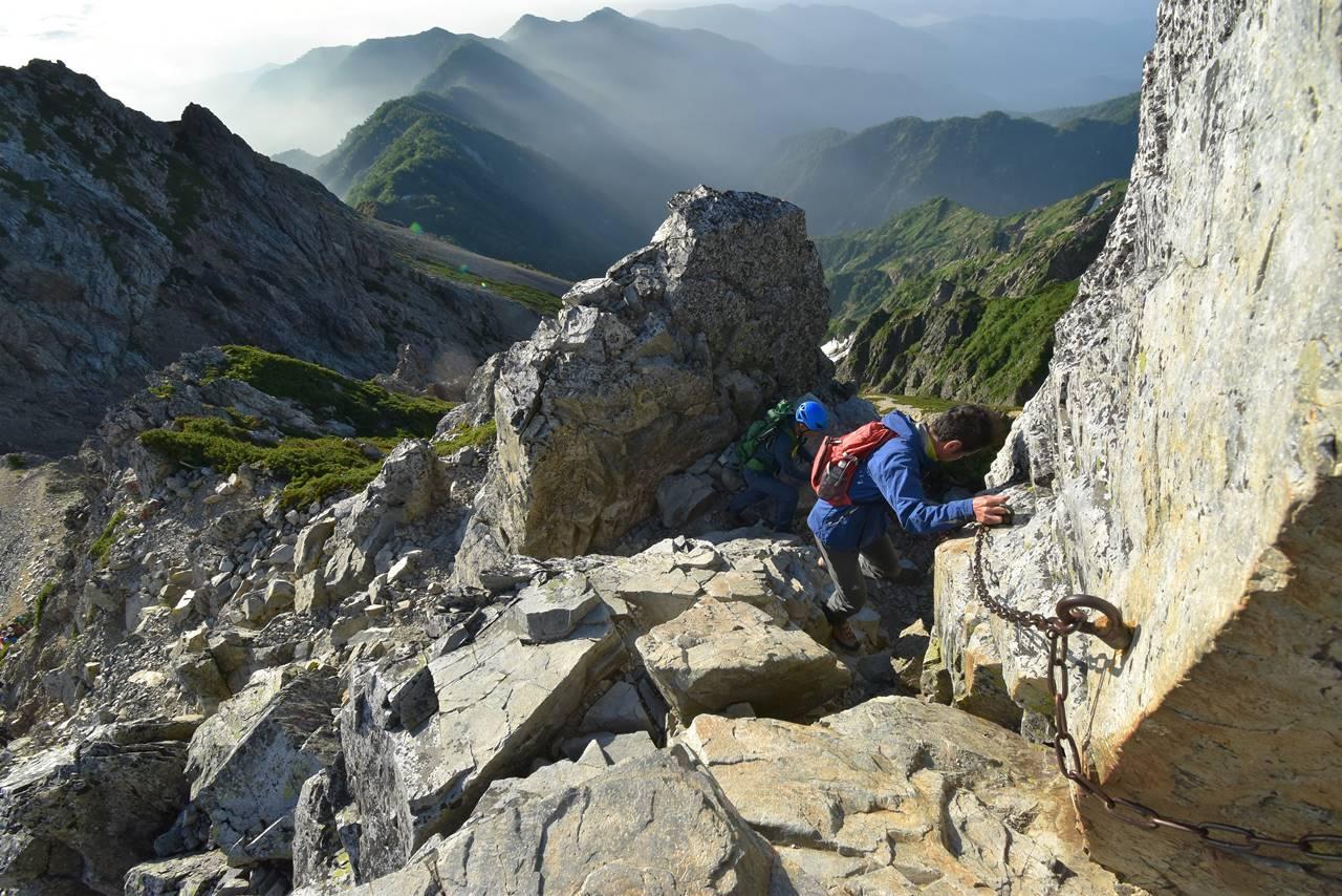 五竜岳の鎖場と岩場