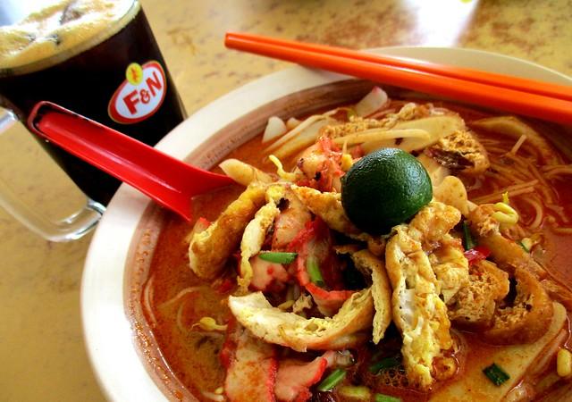 Wan Long Cafe Sarawak laksa & kopi-o-peng