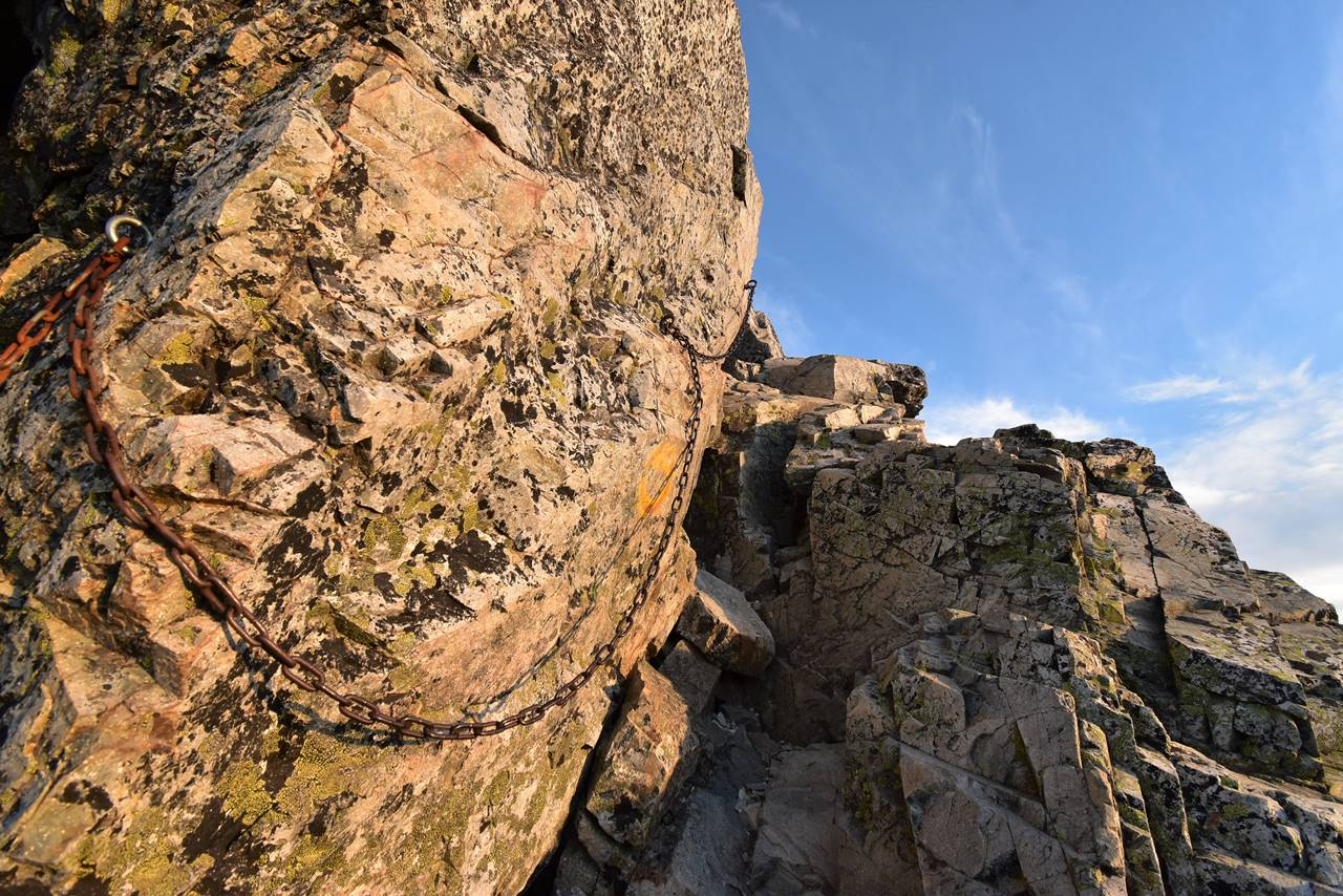五竜岳登山道の鎖場
