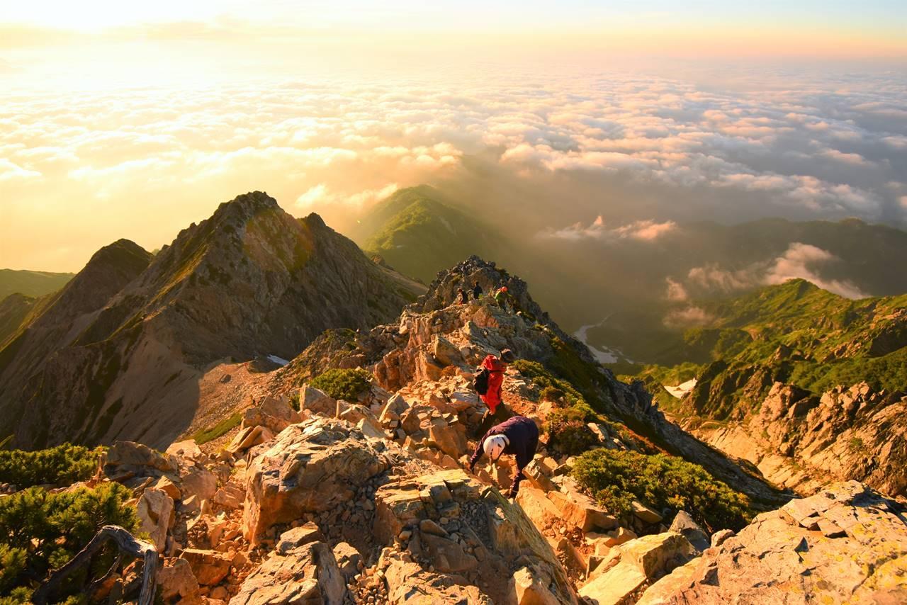 五竜岳の岩稜帯と雲海