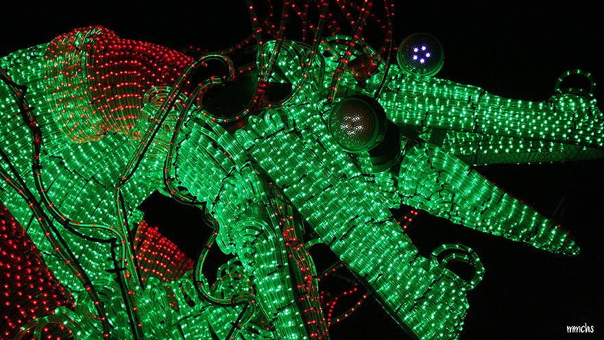 luces de colores en el desfile de Marina D´or