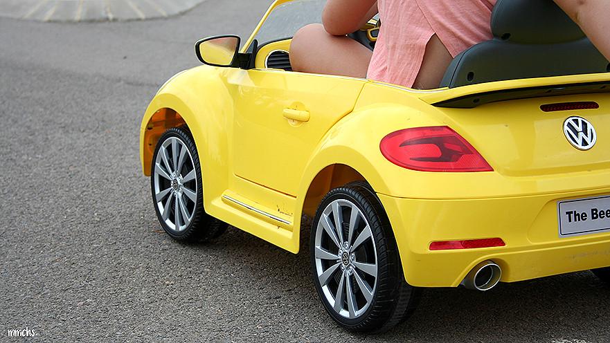 coche New Beetle para niños de batería Imaginarium