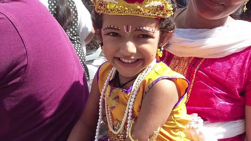 how to make krishna dress at home
