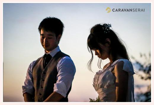 森の中(屋外)で結婚式(披露宴)ブライダル/夕暮れ時