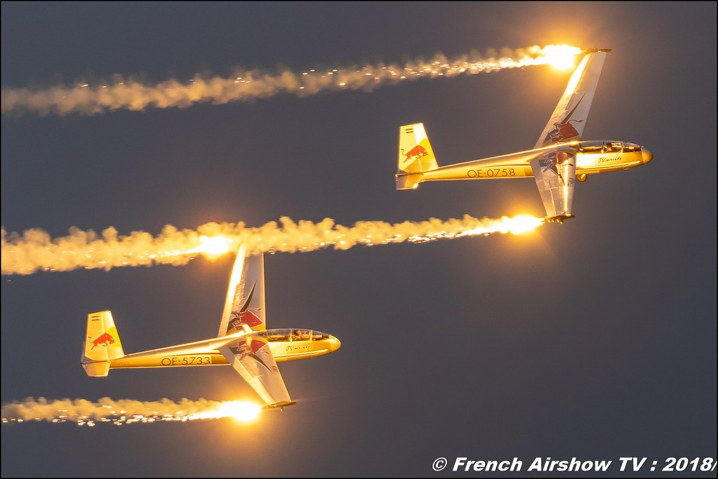 Blanix Team sunset aerobatic display Dittinger Flugtage 2018 Canon Sigma France contemporary lens Meeting Aerien 2018