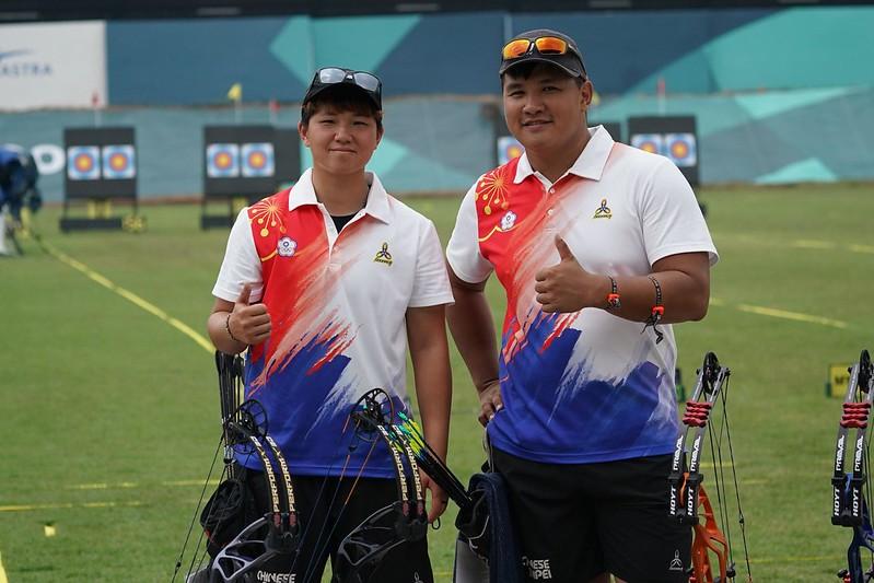 複合弓陳怡瑄(左)、潘宇平成功摘下金牌。(中華奧會提供資料照)