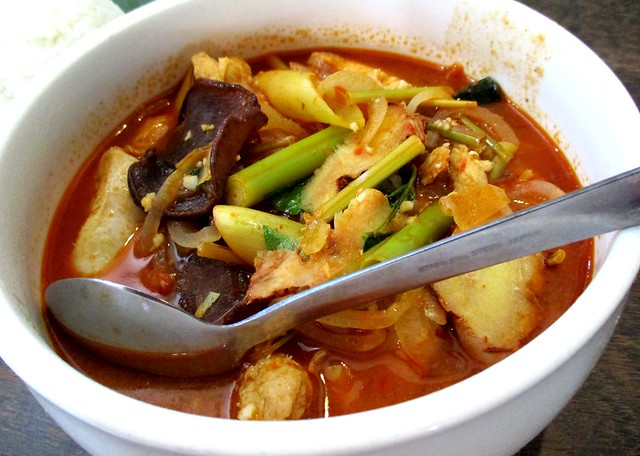 Payung Cafe tom yam chicken