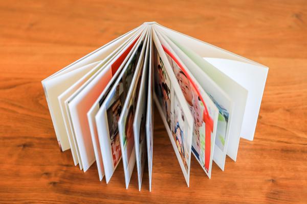 アルバムには高級感あふれる厚紙を使用