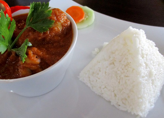 Cafe IND chicken vindaloo with rice