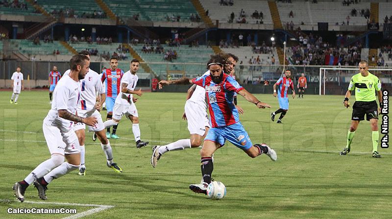 Alessandro Marotta, in azione nell'amichevole proprio contro la Vibonese