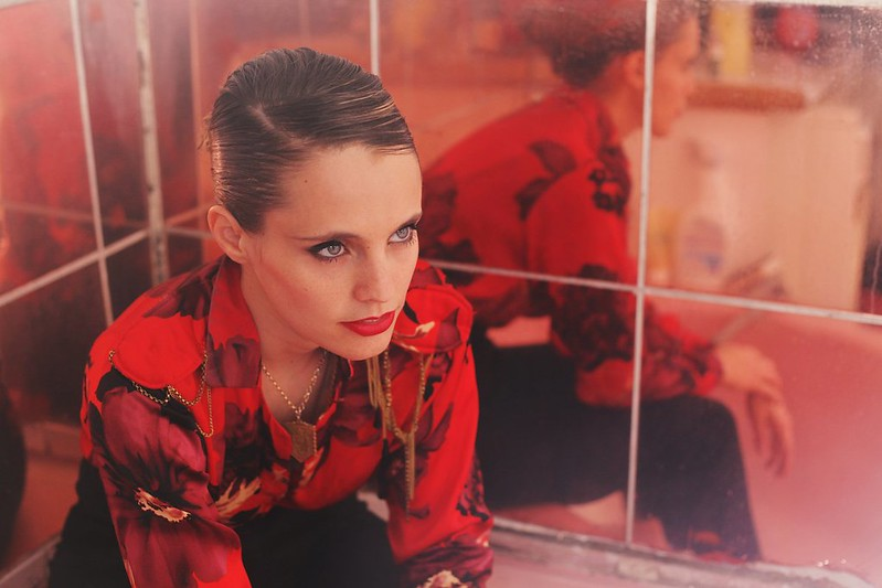 "Anna Calvi estrena video para el sencillo ""As a Man"""