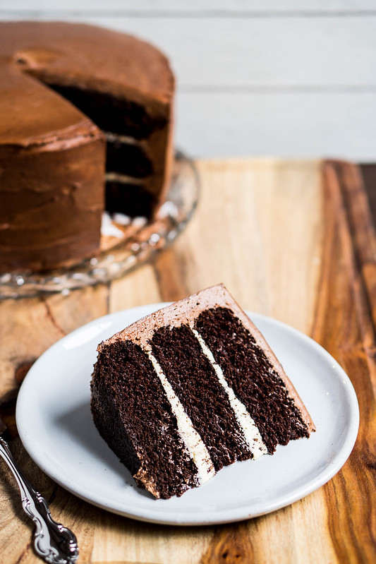 Chocolate Cake with Salted Caramel Filling | cookingalamel.com