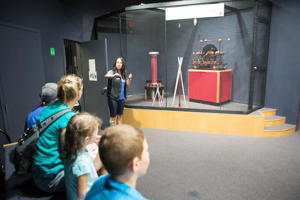 Stave Falls Visitor Centre tesla coil demo