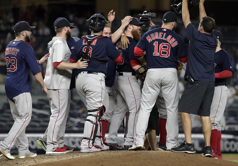 紅襪在洋基球場歡慶美聯東區冠軍3連霸。(達志影像)