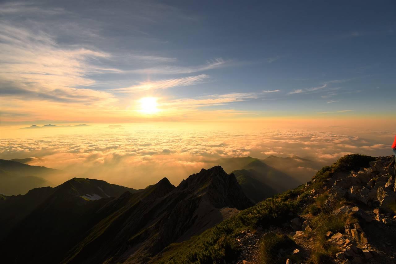 五竜岳山頂からの雲海とご来光