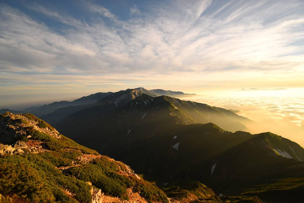 五竜岳山頂からの唐松岳~白馬岳