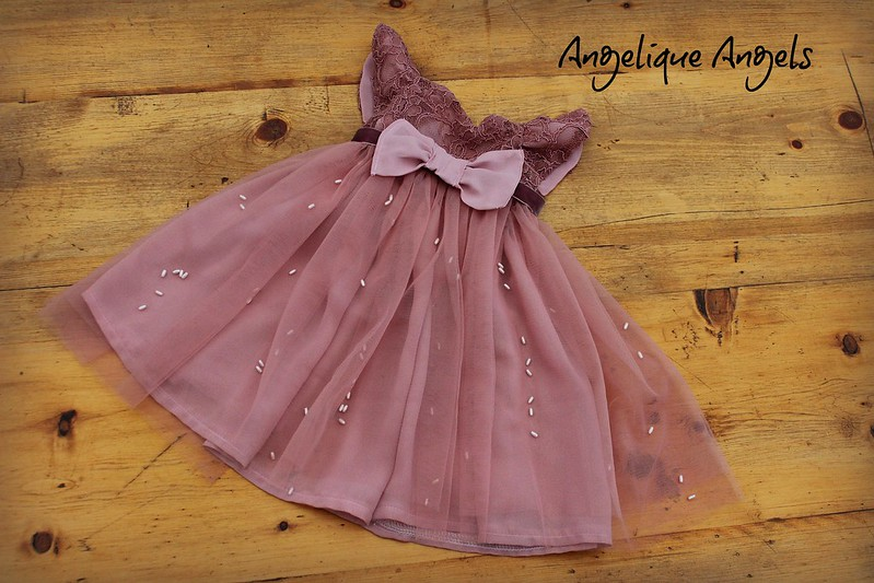 """Dress to fit 18 - 22"""" doll"""