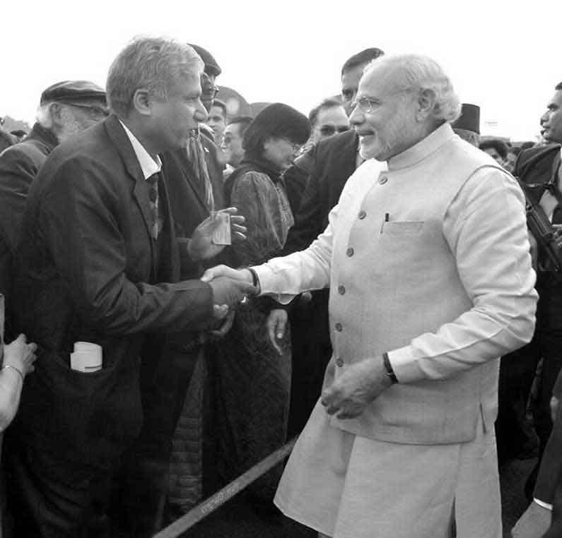 Rakesh Barot 2018 2: Dr Rakesh Agarwal With Prime Minister