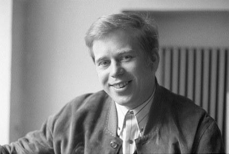 Václav Havel en una foto tomada en marzo de 1968.  Este dramaturgo checo se convirtió en la voz de la resistencia contra  la invasión con sus transmisiones de radio desde la ciudad de Liberec,  en el norte del país.