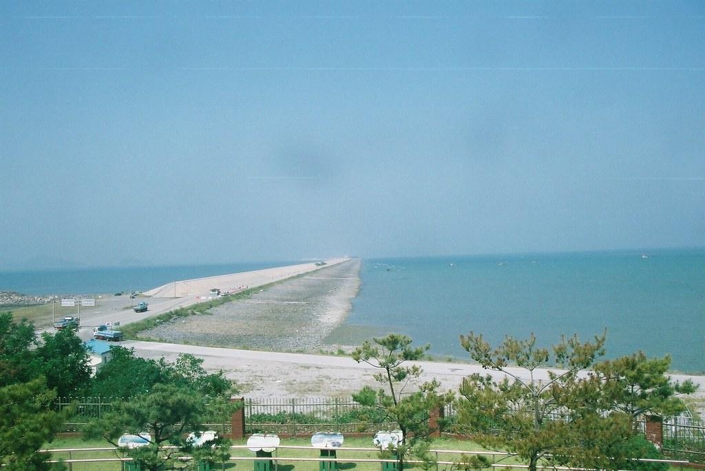 新萬金堤防。圖片來源:Kussy (CC BY-SA 2.1 JP)