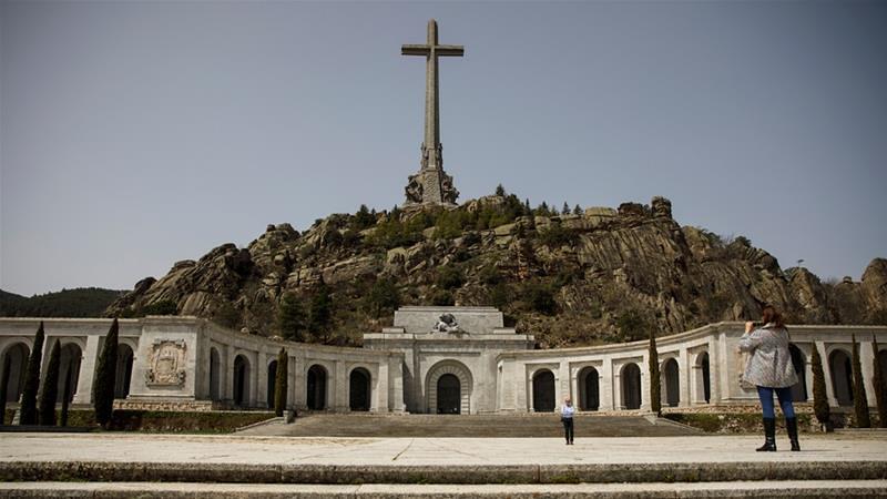 西班牙國會決議將佛朗哥遺體移出烈士谷。(圖片來源:Juan Medina/Reuters)